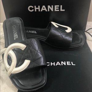 🆕Chanel CC Cambon line Sandals ⛱👙